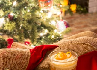hot-buttered-rum-traditional-Christmas-drink